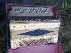 Hlaváček chromatic akordeon